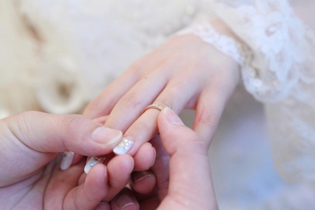 友達の結婚式に出席→次の日離婚してた