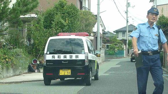 130930 カインズ鳥取警察署高田警部補(8)(1)