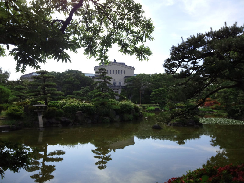 慶沢園と大阪市立美術館 - クリックで拡大