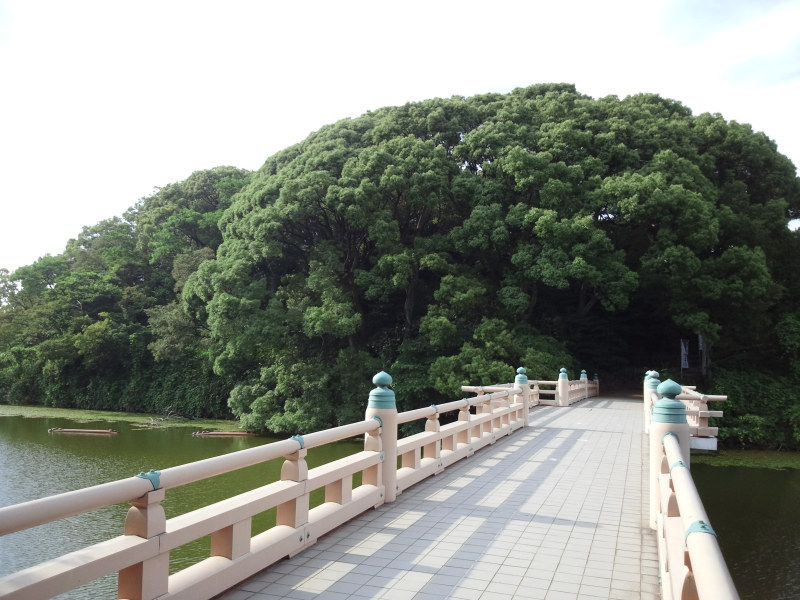 和気橋と茶臼山古墳 - クリックで拡大