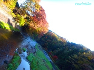 ②その川①