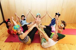 kids yoga TT