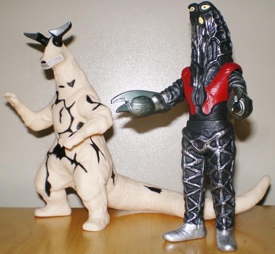 ウルトラ怪獣500 エレキング、ゴドラ星人