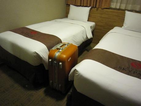 スーツケースは広げられない