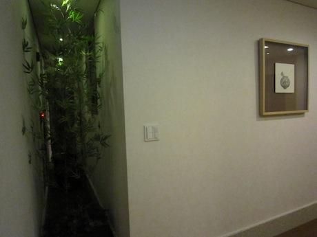 部屋の裏側