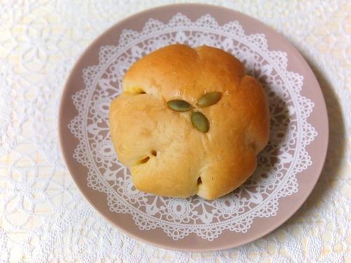 かぼちゃあんぱん01@パンとお菓子のメルシービアン