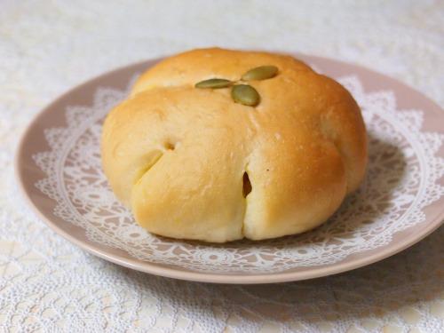 かぼちゃあんぱん02@パンとお菓子のメルシービアン