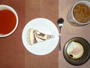 NYチーズケーキ,目玉焼き,野菜スープ,コーヒー