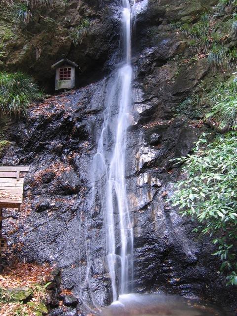 菅谷不動尊の滝