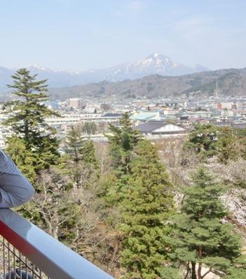 天守閣から見た会津磐梯山。150年前、容保の目に写った磐梯山もこんなふうだったのですね