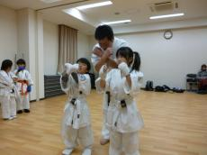 20131119 230 高松支部 組手 莉夏vs和燈 元気に押忍!