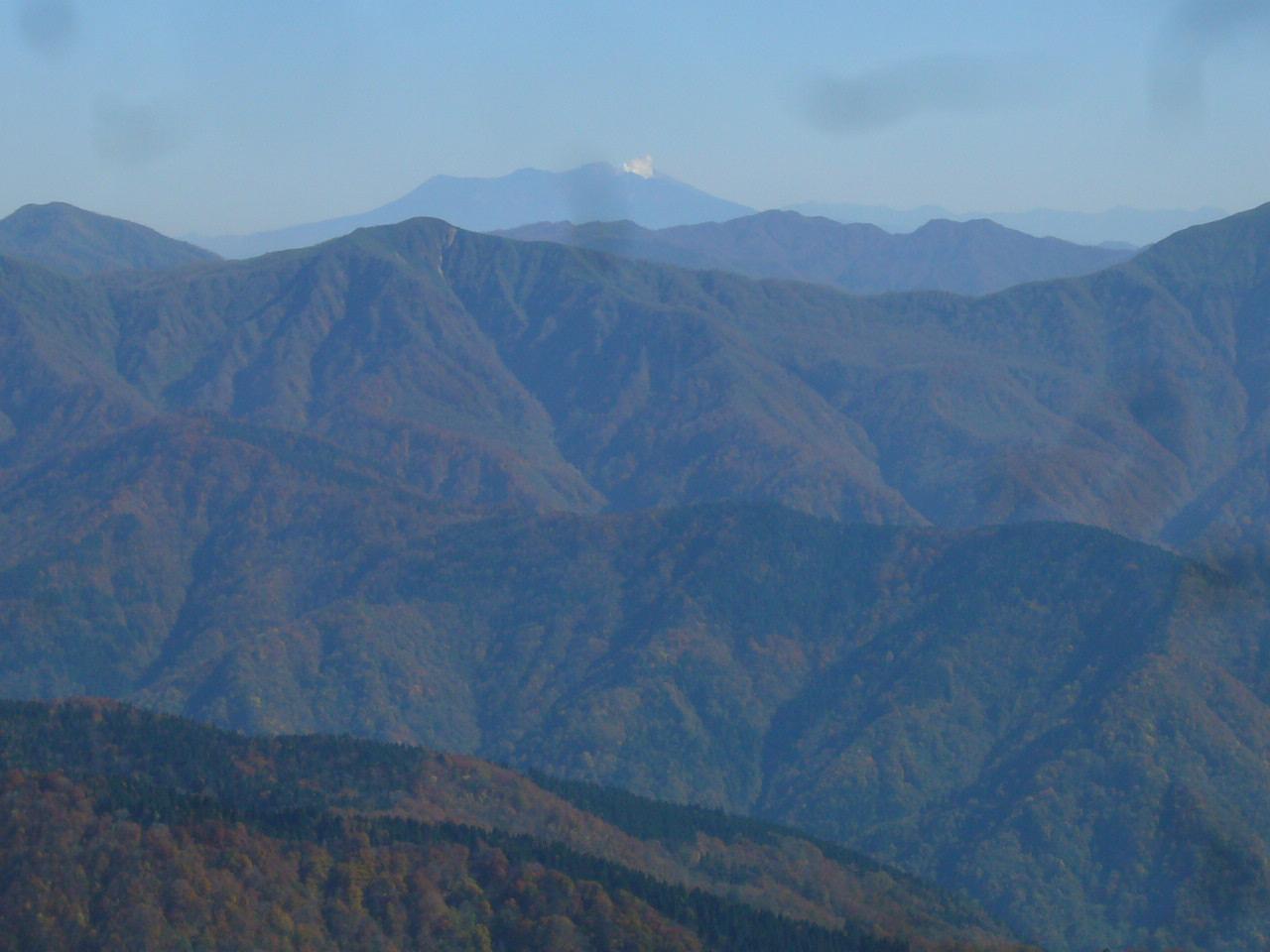 経ヶ岳より御嶽山噴煙 H26.10.29撮影