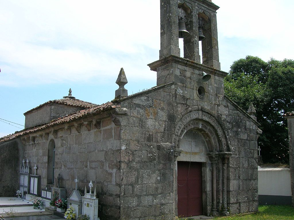 Church of Santiago de Albá.