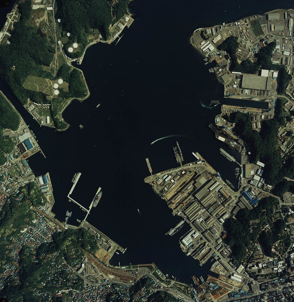 日米基地の主要な係留場所はこのあたりになる