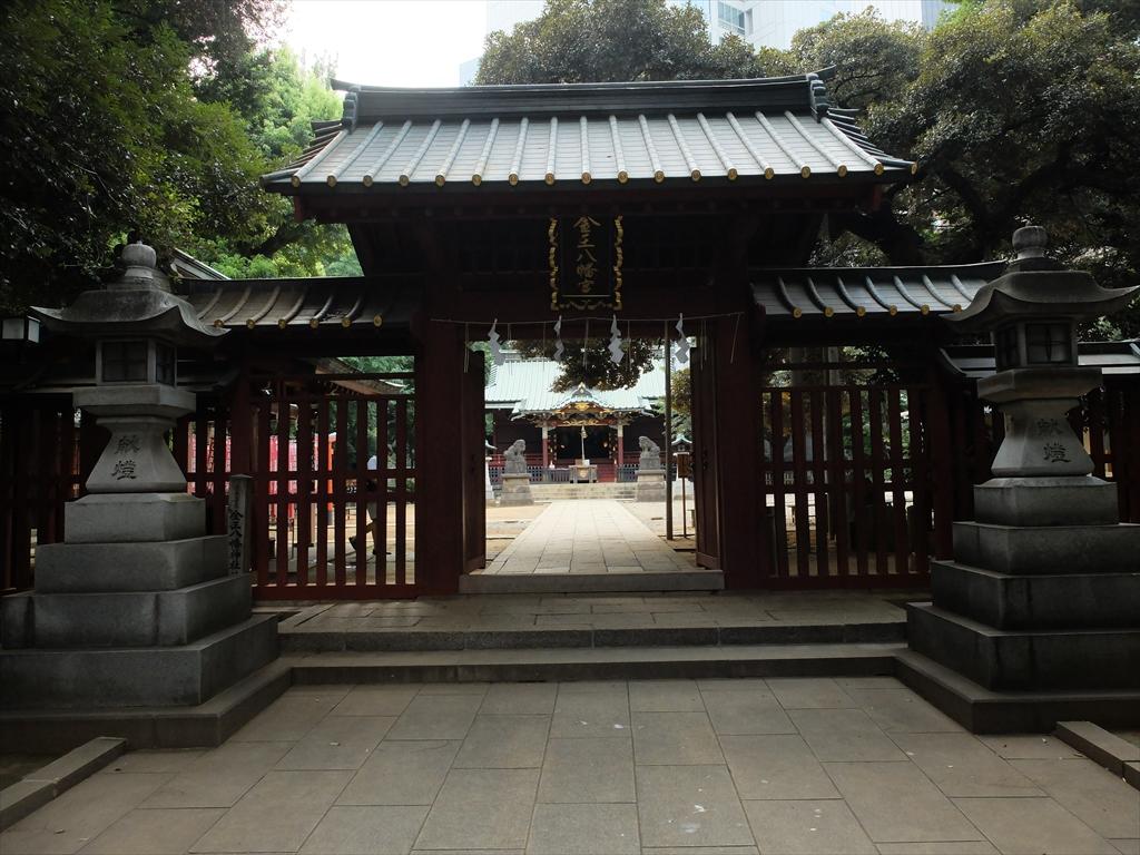 金王八幡宮の門と社殿