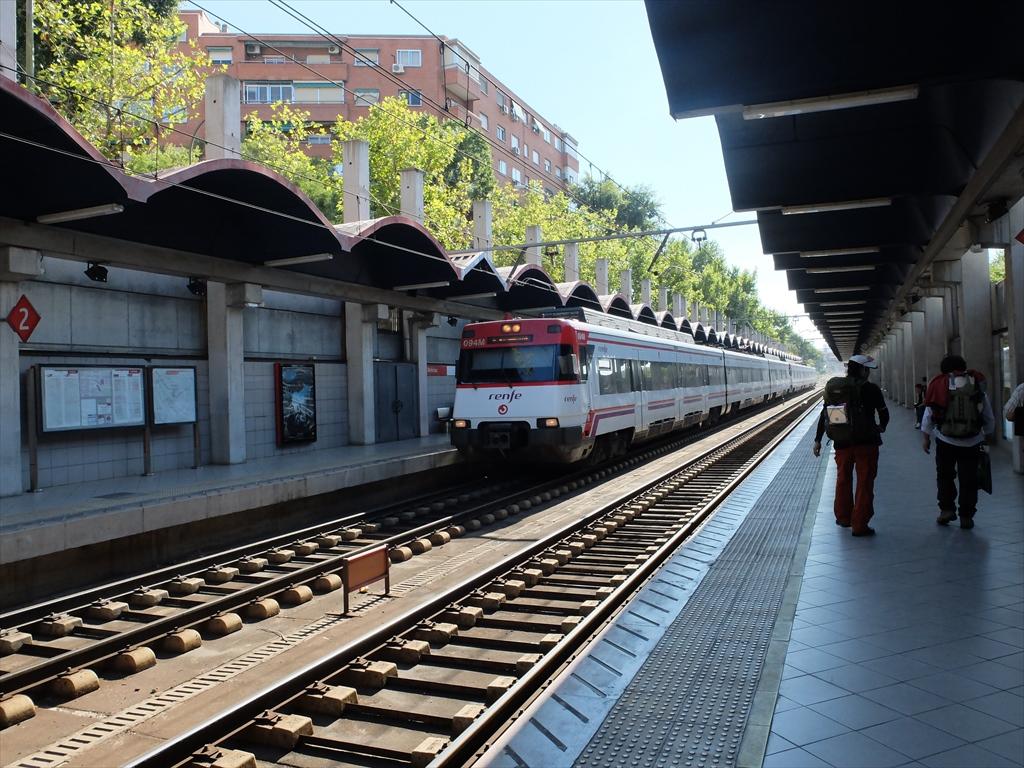 renfeの方のデリシャス駅にて_1