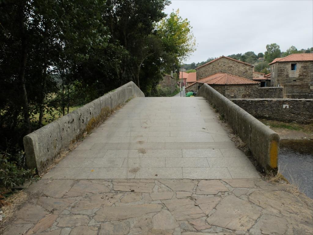 リバディソのこの橋もまた中世の橋だ_5