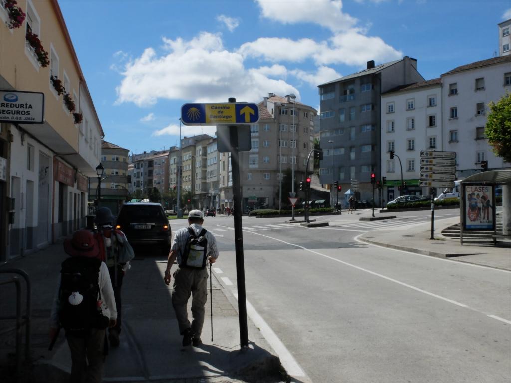 さらに新市街を進む_2