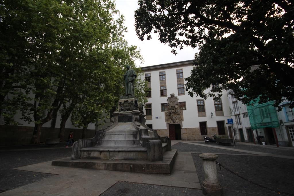 サンティアゴ・デ・コンポステーラ大学の地学・歴史学部校舎のようだ_1