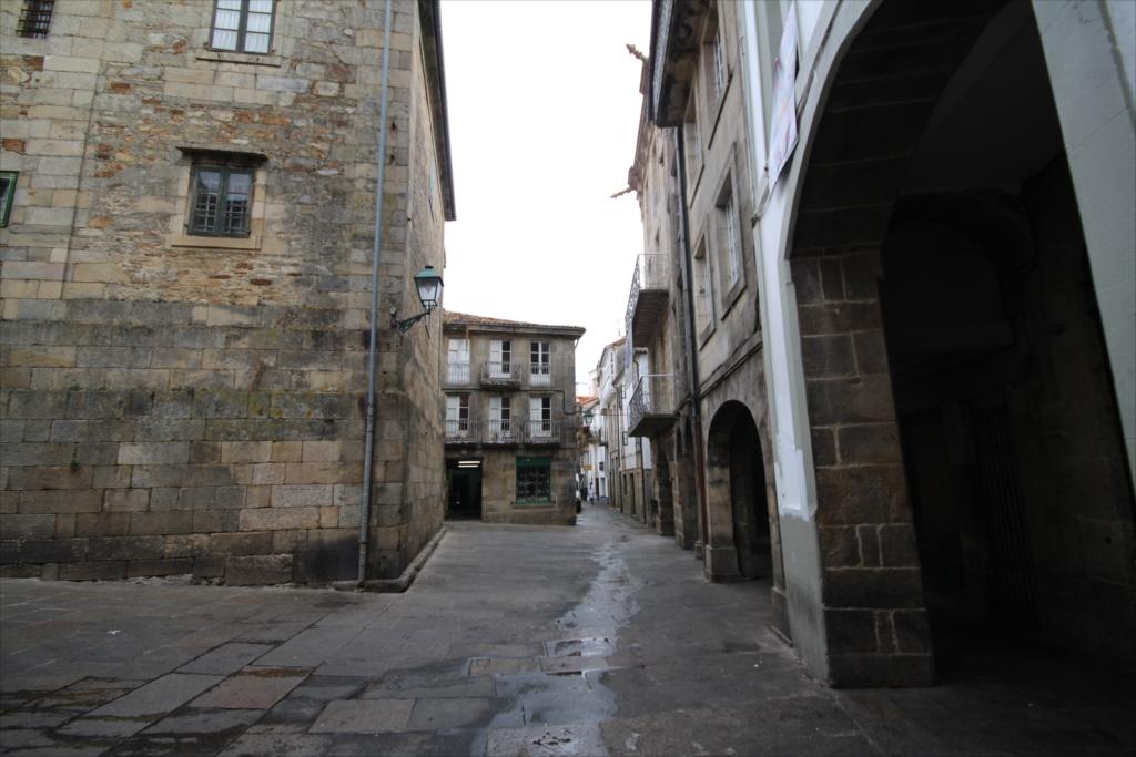 ポルティコのある建物がほとんどだ