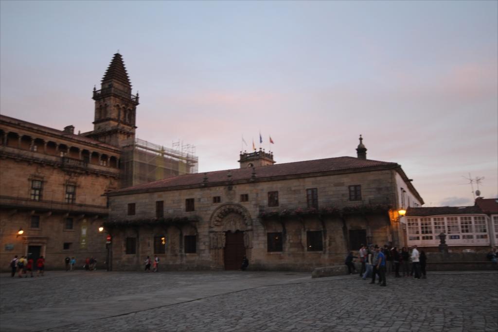 カテドラル美術館とサンチャゴ・デ・コンポステラ大学学長オフィス