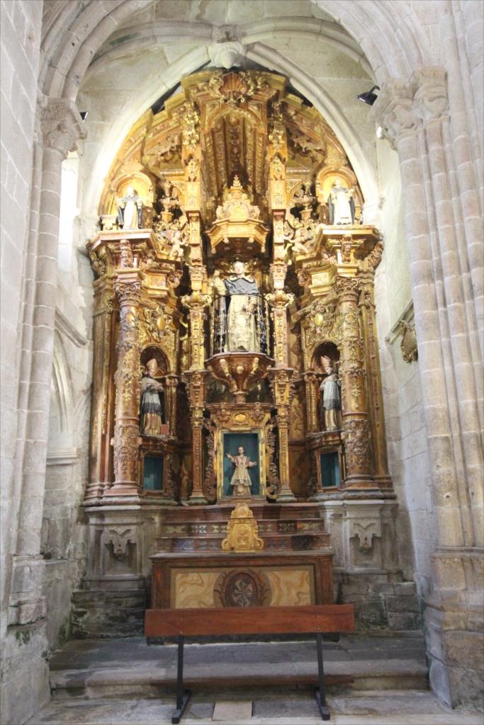 旧サント・ドミンゴ・デ・ボナバル修道院_2