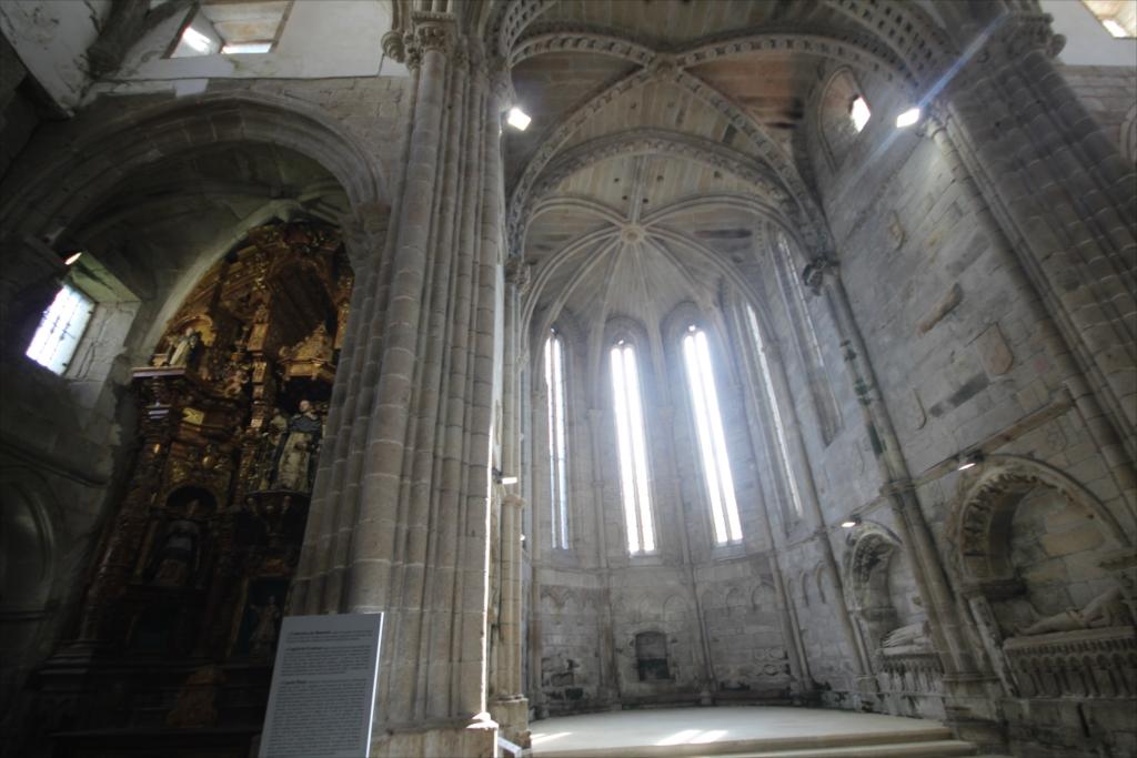 旧サント・ドミンゴ・デ・ボナバル修道院_3