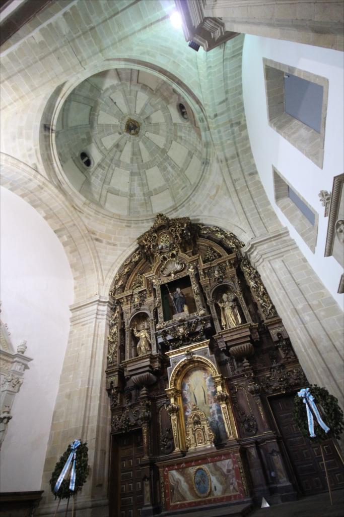 旧サント・ドミンゴ・デ・ボナバル修道院_8