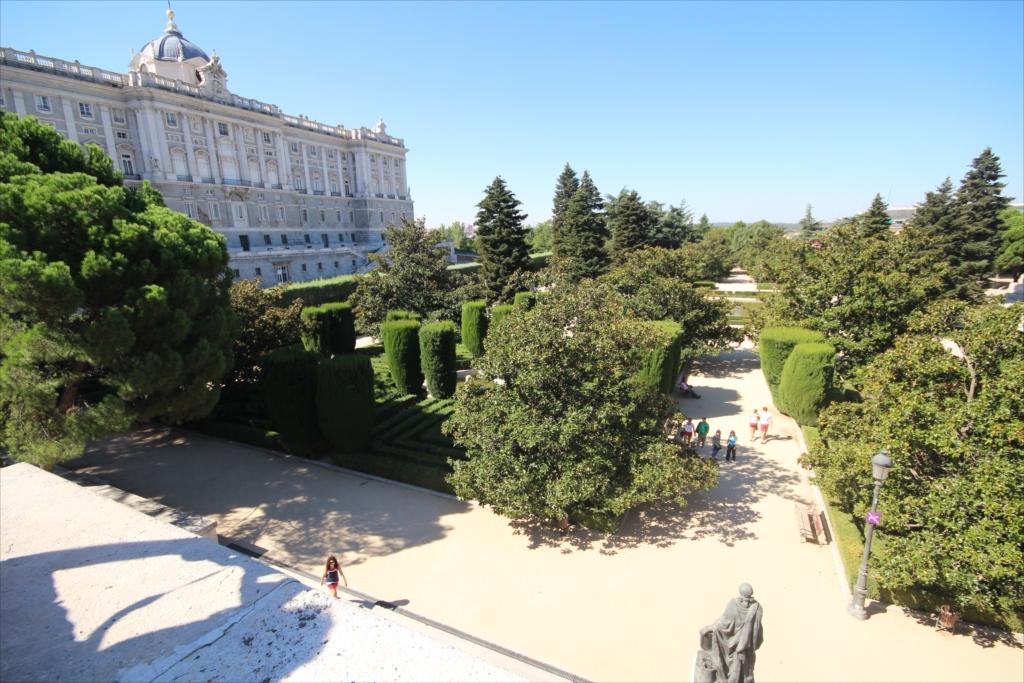 サバティーニ設計の庭園_4