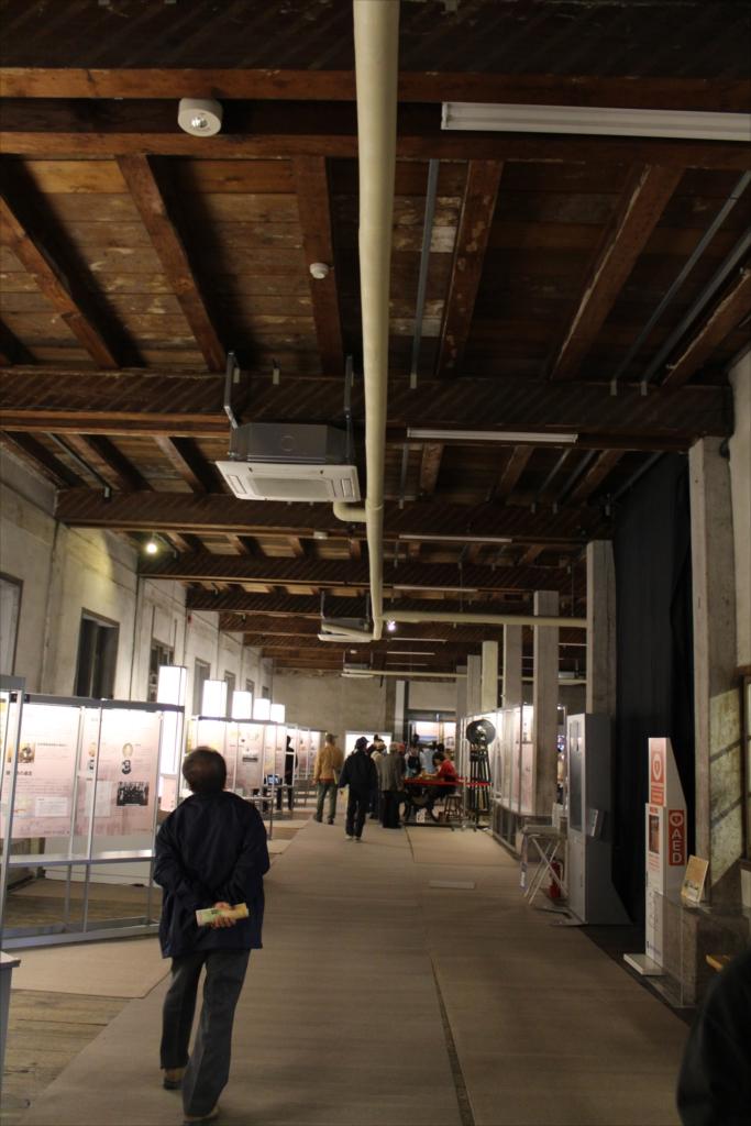 東繭倉庫の1階