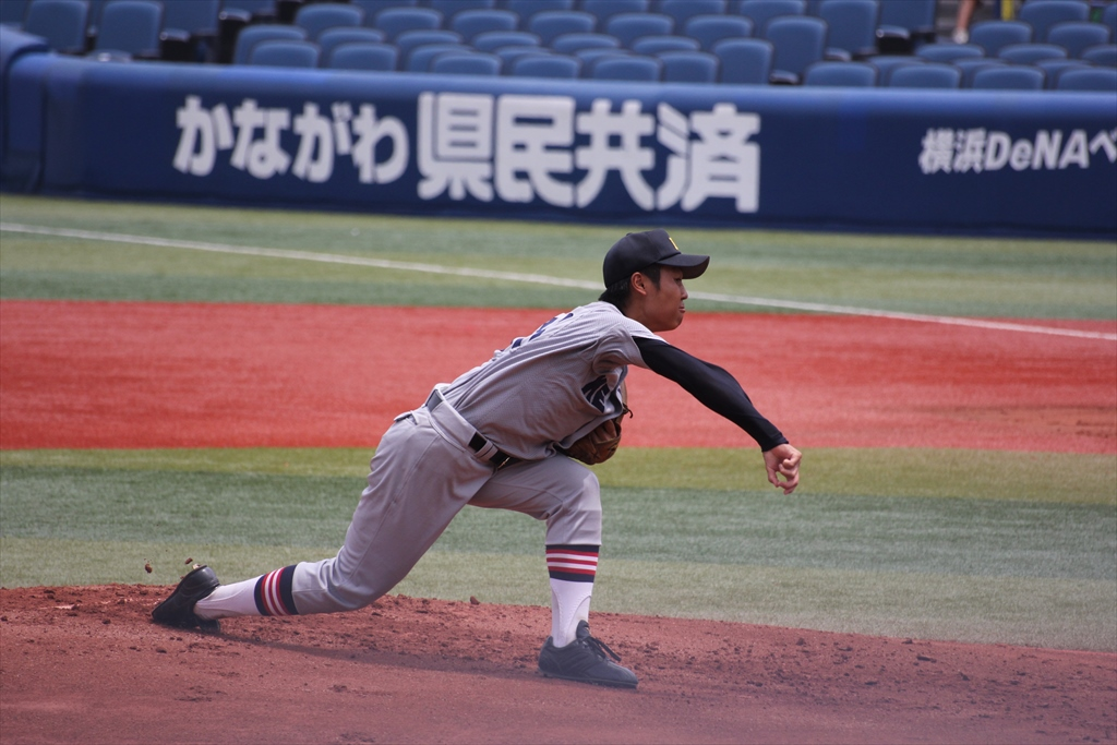慶応先発高橋の投球フォーム_4