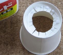 紙コップカズー 作り方9