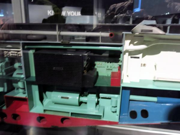 潜水艦機関制御室カットモデル