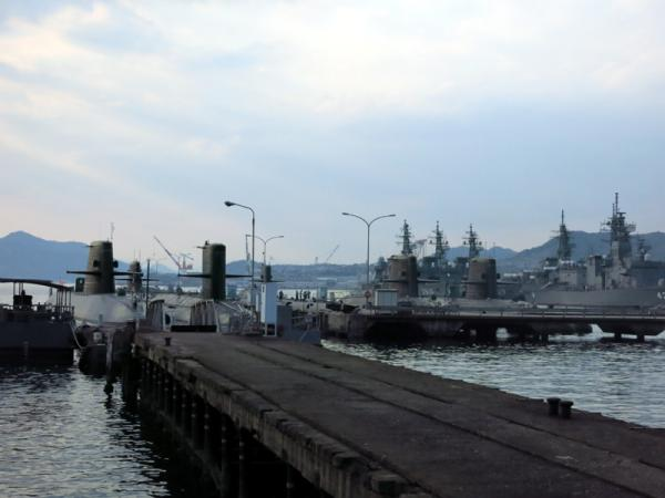 潜水艦ベース
