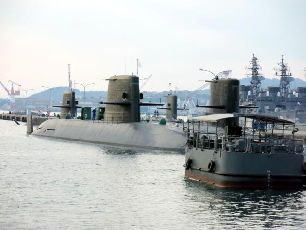 潜水艦ベース02