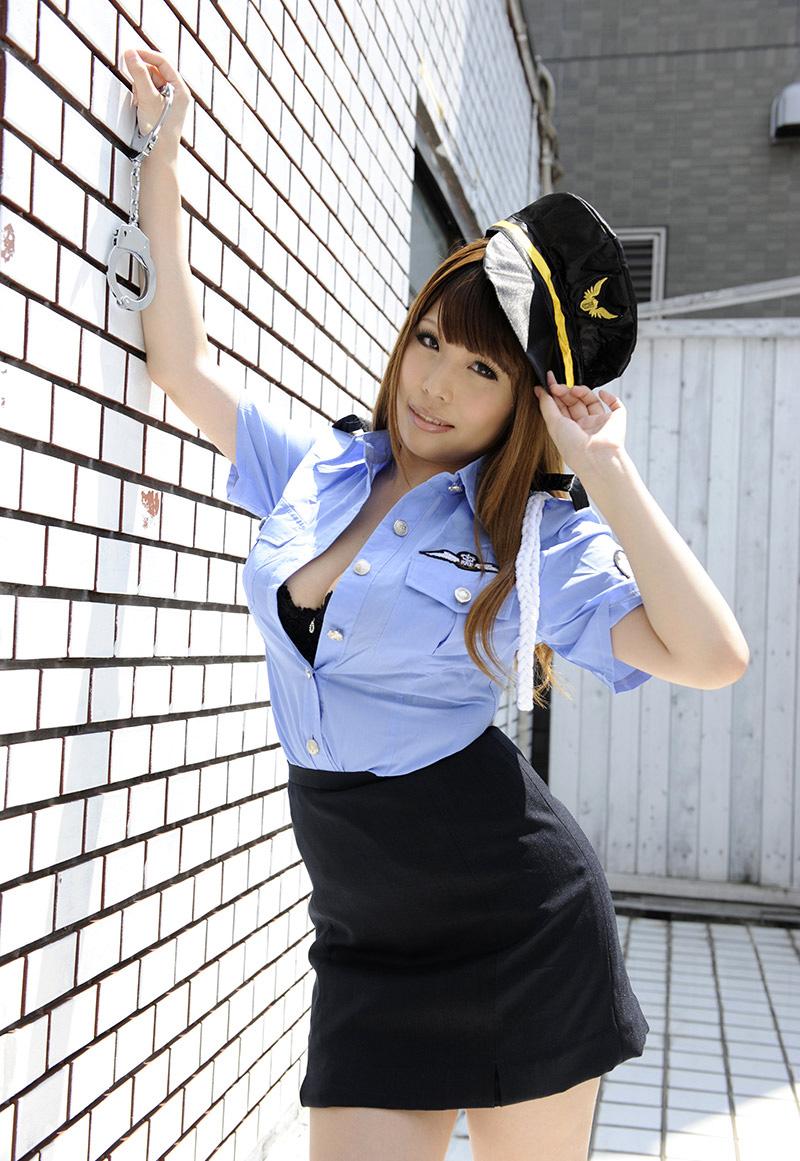 【No.18577】 婦人警官 / 西川りおん