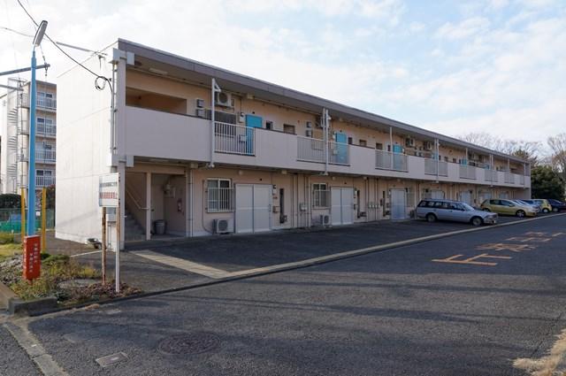 神奈川県営大庭団地の2階建て住棟
