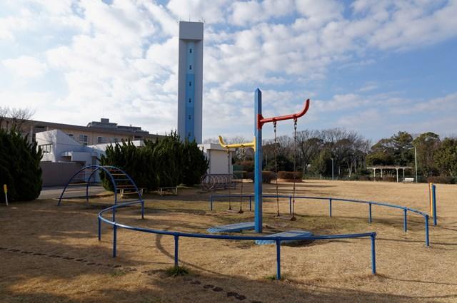 神奈川県営大庭団地のUFO公園
