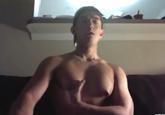 ゲイ動画:[男のプリケツ] 筋肉を誇示しながらネットで見せ合いオナニー !! 好帥哥