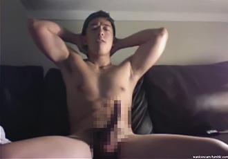 [男のプリケツ] ゲイ動画:筋肉を誇示しながらネットで見せ合いオナニー !! 好帥哥