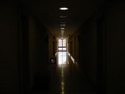 dark-corridor_2136514.jpg