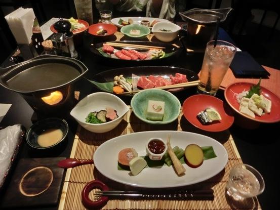 東山温泉、新滝別館にて 会津郷土料理、最高でした♪会津塗(漆器)がうれしい