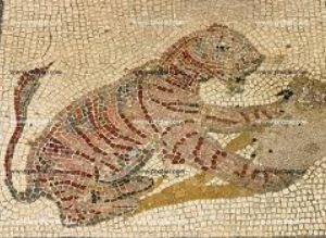 床に点在するローマ時代のモザイク1