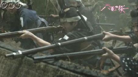 銃撃戦でマンパワーとして立派に戦う二本松の少年隊