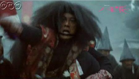 ズガァァアーン!!うわおお! 腿を打ち砕かれる西軍司令官大山巌