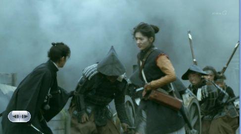 外に大砲持って出たらあぶねえ!いい場所がある!大砲で壁穴をつくんべ!薩摩の大砲隊をぶっとばしてやんべ!!