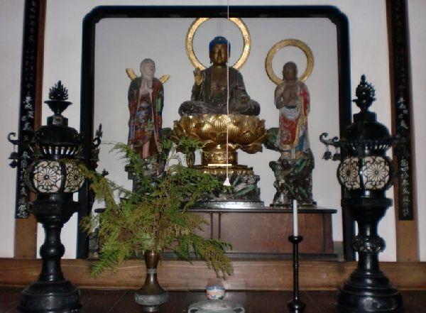 尚之助のお祖父様が奉納された、対をなす花灯篭 信仰深い方だったのですね