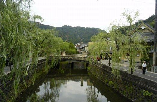 明治・大正ロマン香る、城崎(きのさき)温泉 有名な湯どころを十何箇所と無料で入浴できる、素敵な特典が。いい湯でした