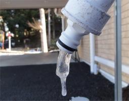ホース凍結0205